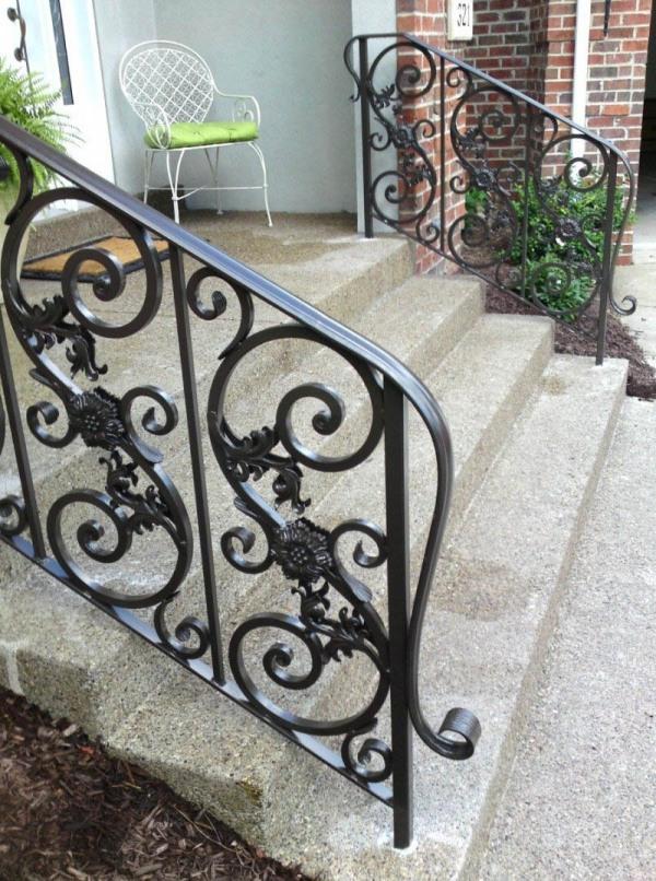 curverer-wrought-Iron-rails